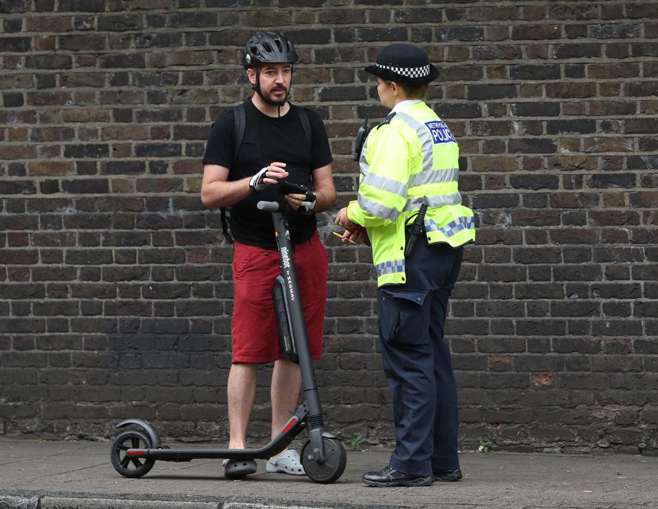 are electric scooters legal in the uk